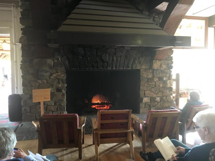 glacier-park-lodge-fireplace